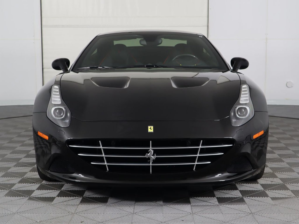 Pre-Owned 2015 Ferrari California 2dr Convertible